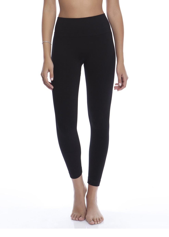 מכנס ספורט באורך 7/8 מחטב בצבע שחור